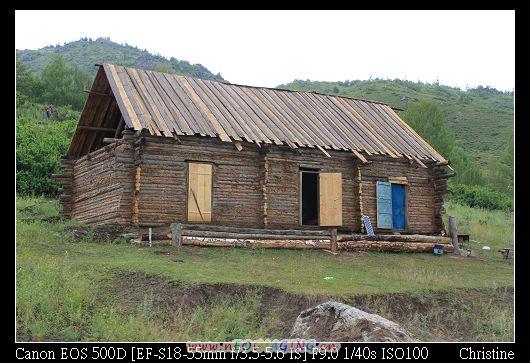 這裡的房子都長這樣, 叫做圖瓦人小屋