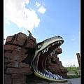 恐龍嘴巴的入口 滿有創意的