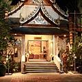 0123餐廳外面的小廟