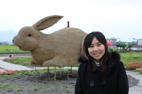 0223稻草做的大兔子2