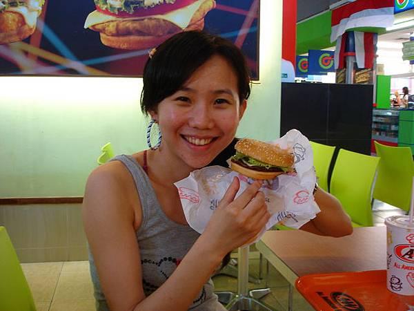 漢堡本人比照片瘦