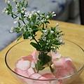 0225小花瓶放在水裡1
