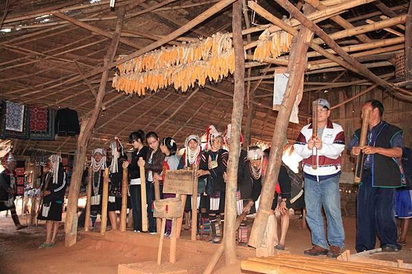 少數民族歌舞表演