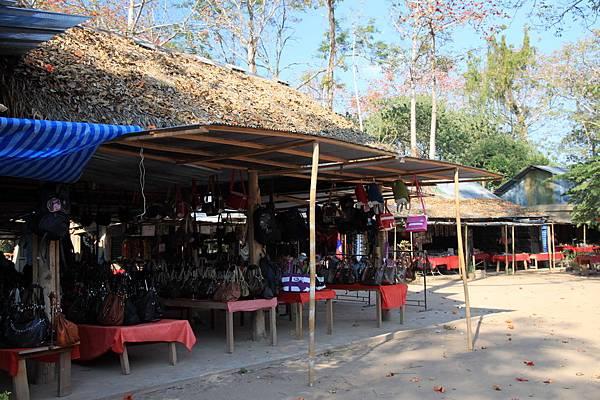 寮國--市集一景