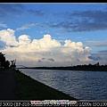 0907遠方雲的形狀好漂亮