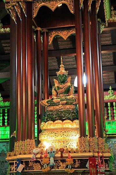 名為玉佛寺就是因為這傢伙