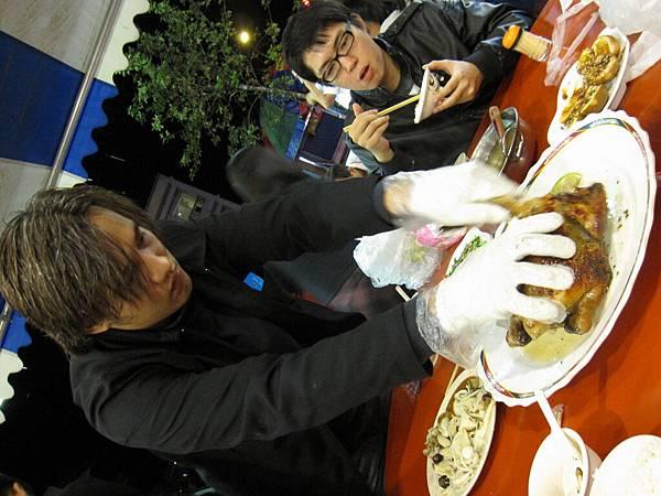 99.11.03 礁溪--甕窯雞 (12).JPG