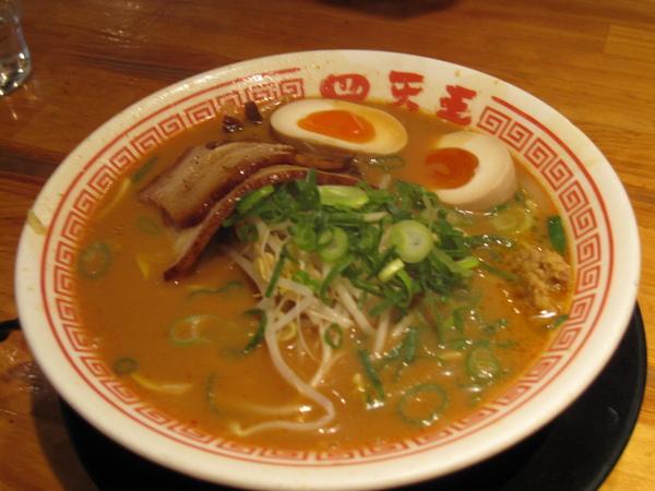 2008.11.29 大阪--四大天王拉麵 (3).JPG