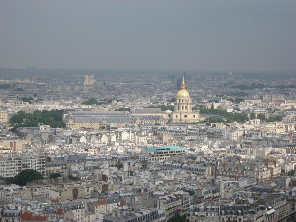 法--巴黎鐵塔上