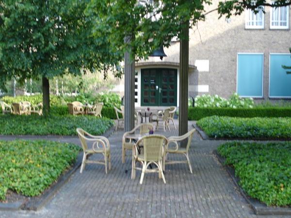 荷蘭-艾恩霍芬--NH旅館中庭