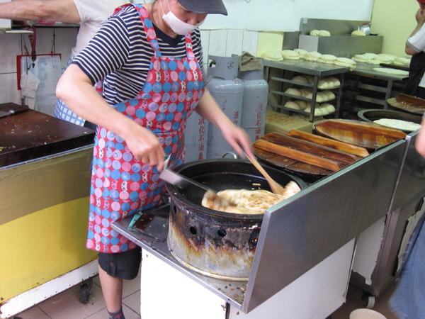 忠誠 山東蔥油餅 98.03.22 (7).JPG