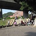 98.04.11 兒童樂園 (11).JPG