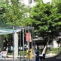 98.07.12 公園 (5).JPG