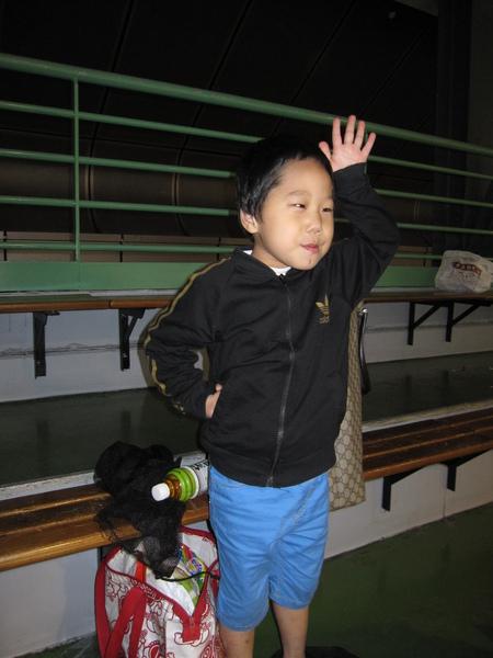 98.09.20 台北巨蛋 溜冰場 (13).JPG