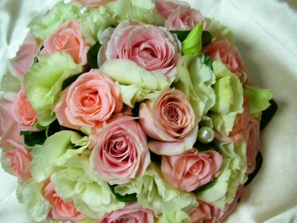 也希望我的捧花可以為她的婚禮加分