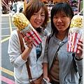 0207_1027抗拒不了爆米花的香味所以我們也買了,好滋味讓我很懷念.JPG