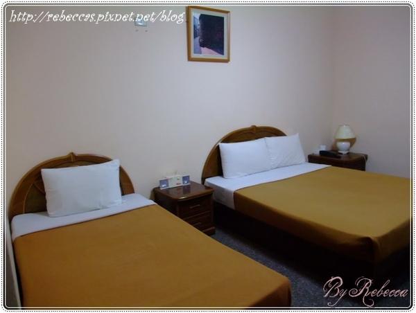 0207_3007一雙一單床舖的三人房.JPG