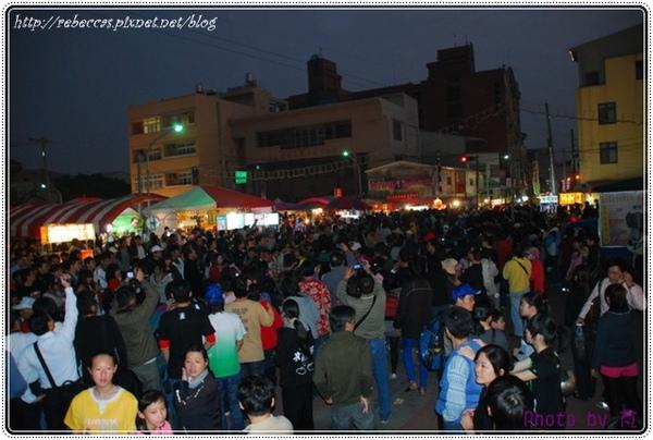 0208_3109武廟廣場聚集了滿滿的人潮.JPG