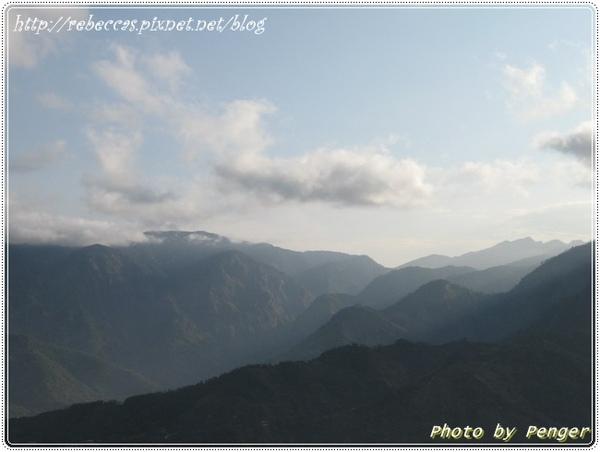 222_0017層層的山巒.JPG