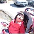 221_0064不想坐娃娃車的宸宸.JPG
