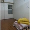 327_015四人房 有棉被和藤製枕頭.jpg