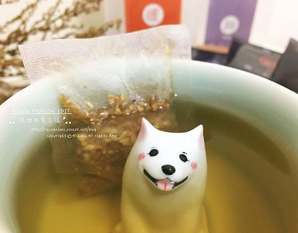 當暖參茶的茶湯 漸漸變成金黃色之後,就差不多可以囉~ ❤