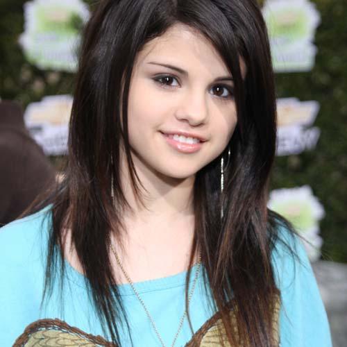 55252281-1252749221-Selena-Gomez-1.jpg