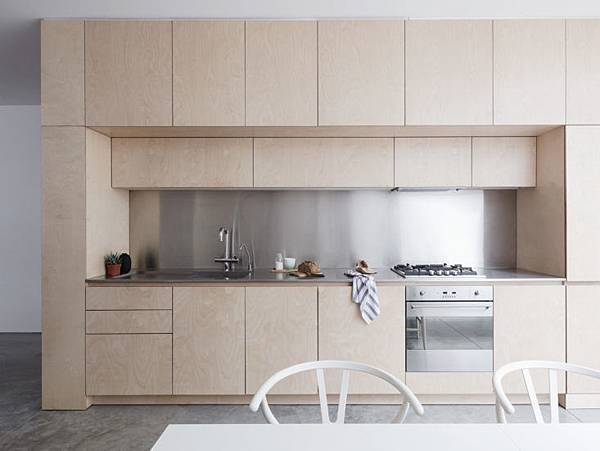 Larissa-Johnston-Architects-Islington-maisonette-birch-plywood-kitchen-London-3-733x550.jpg