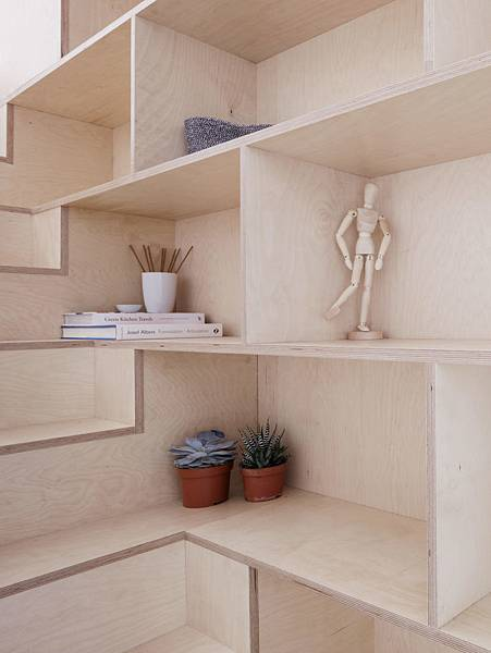 Larissa-Johnston-Architects-Islington-maisonette-birch-plywood-shelves-London-8-733x977.jpg
