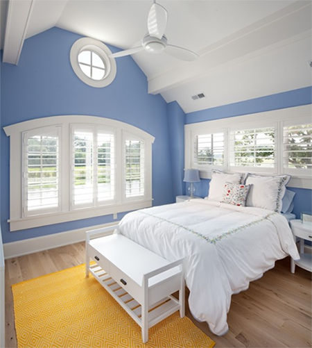sky-blue-bedroom-with-white-accents-pantone-serenity.png