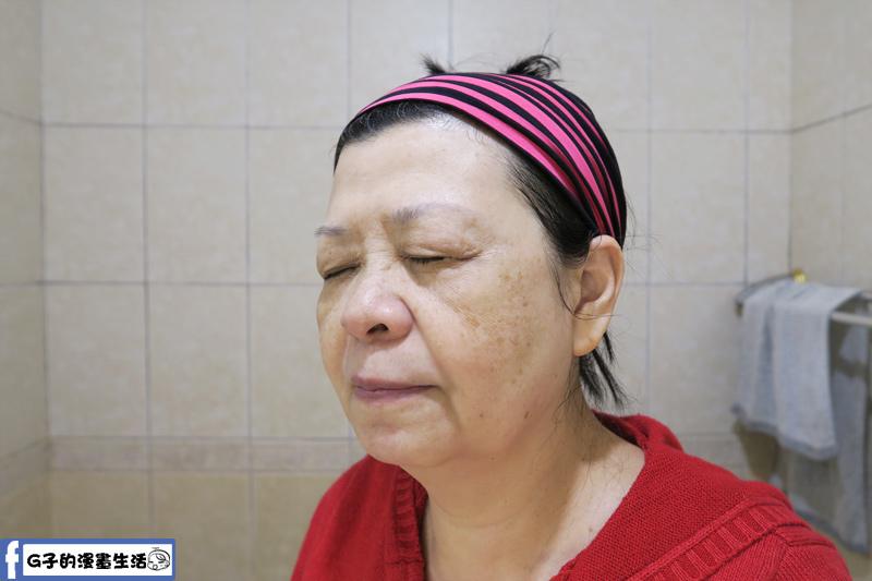 中老年人的皮膚油脂比較少,洗滋潤度不夠的洗面乳,冬天很容易洗臉後會緊繃.