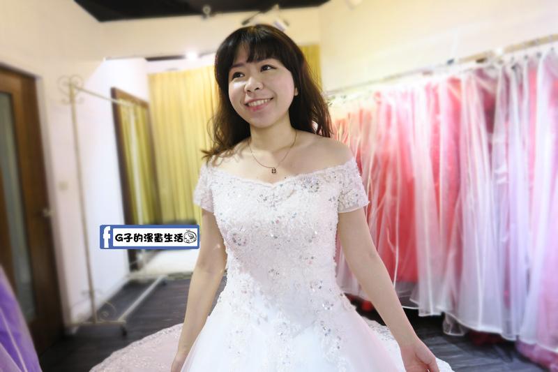 最佳風情國際婚紗影城4樓平口卡肩白紗