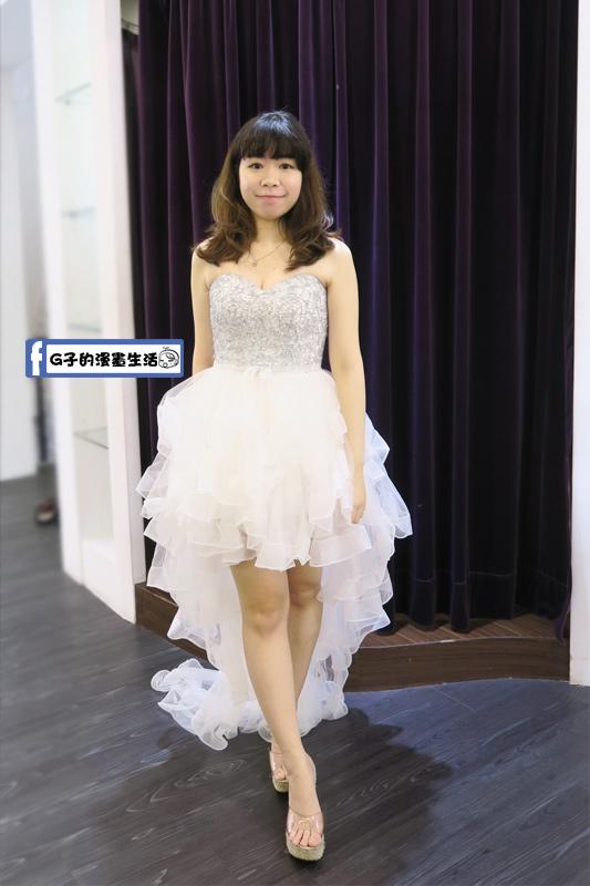 最佳風情國際婚紗影城2樓前短後長白紗