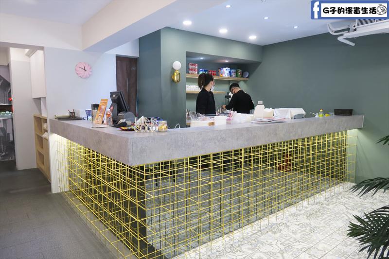MB white coffee南洋料理餐廳 東區店櫃台