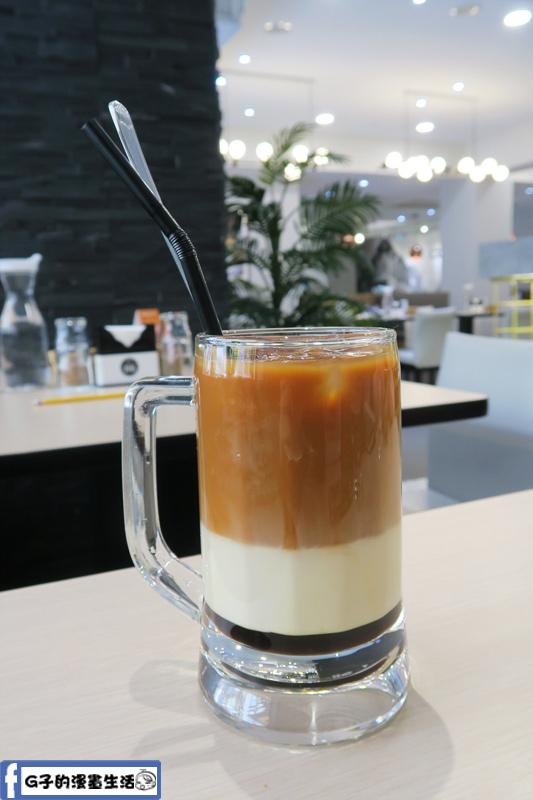 MB white coffee南洋料理餐廳 三色奶茶