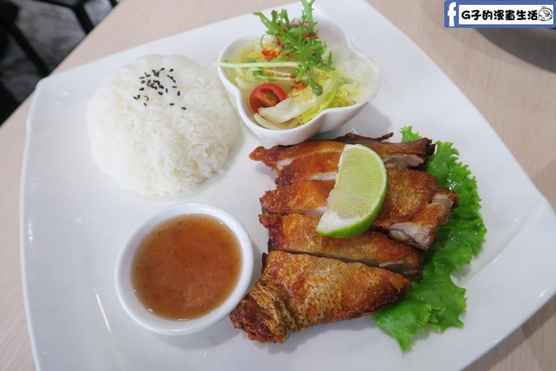 MB white coffee南洋料理餐廳 黃金豆腐乳炸雞飯