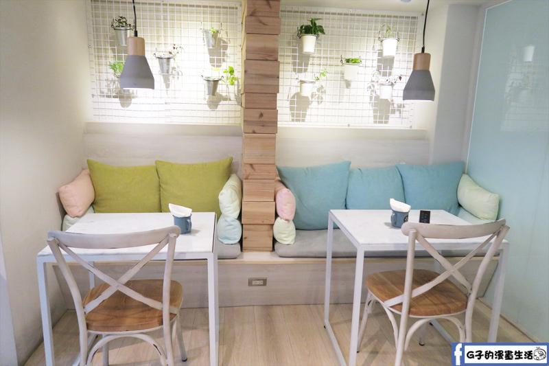 F&F 仁愛•輕概念食飲 餐廳 沙發區 近信義安和站