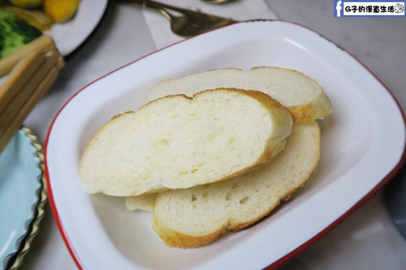 F&F 仁愛•輕概念食飲 餐廳 麵包可以再續一次
