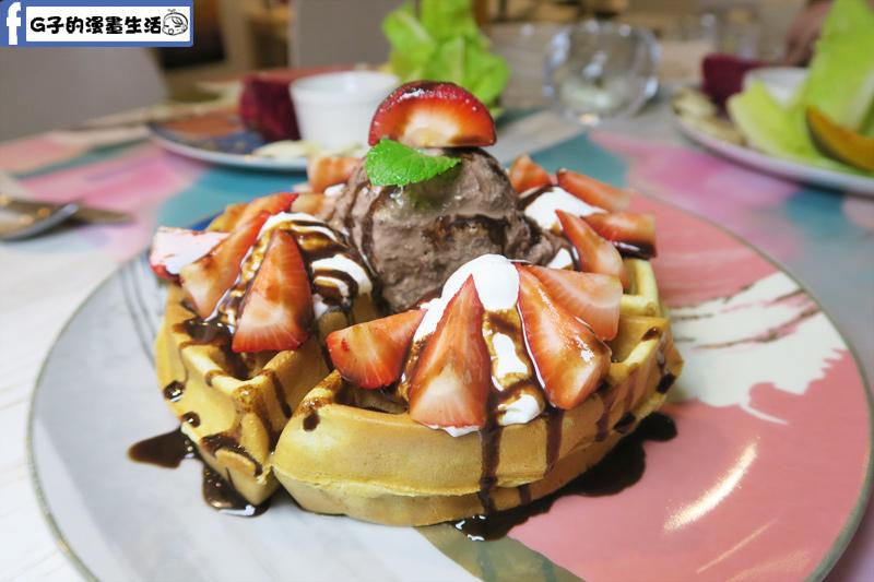 北車Japjapbikini CAFE BAR 下午茶甜點 草莓鮮奶油鬆餅