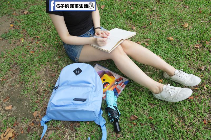 Y.A.S輕量多彩後背包 學生上課背也裝得下A4和平板