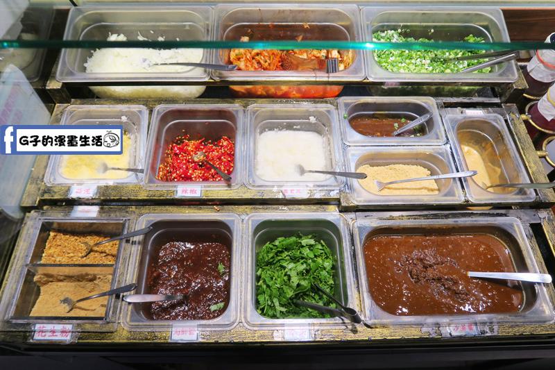 天鍋宴 天母店 火鍋沾醬高達20幾種搭配