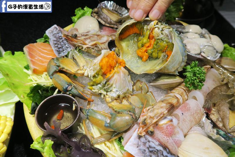 天鍋宴 天母店 台北火鍋 海陸雙人鍋 螃蟹有卵黃