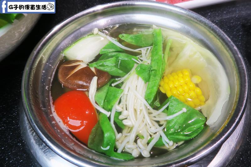 天鍋宴 蔬菜很多