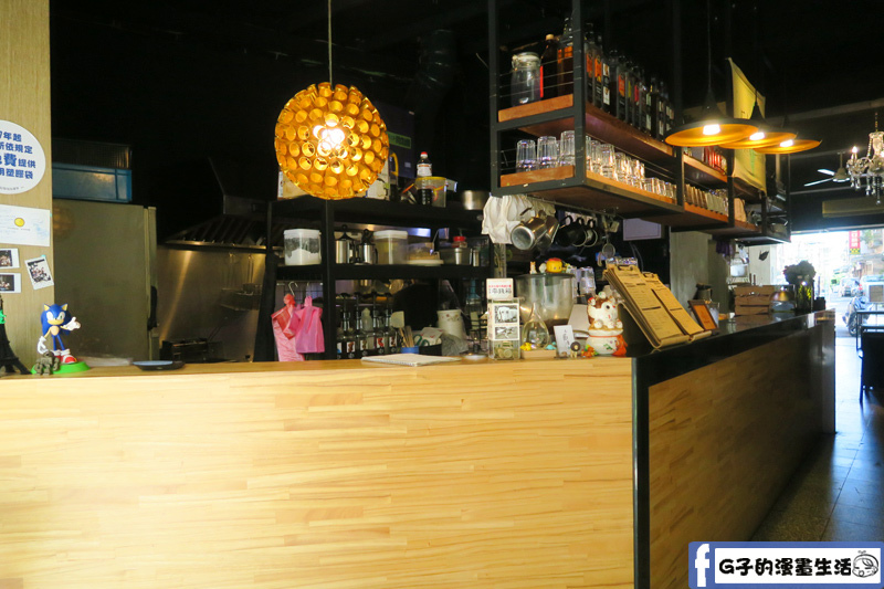 小廚房 kitchenette CAFE 櫃台和廚房 吧檯