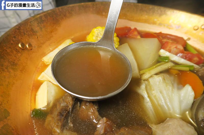 牛肆 台北溫體牛肉鍋.牛肉爐小鍋 蔬果甜味