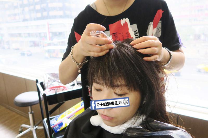東區Casa&view Hair 設計師JOY染髮前做頭皮隔離油