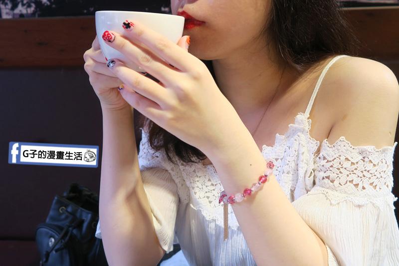 財神小舖  粉晶手鍊.桃花之心手環 設計也滿秀氣典雅