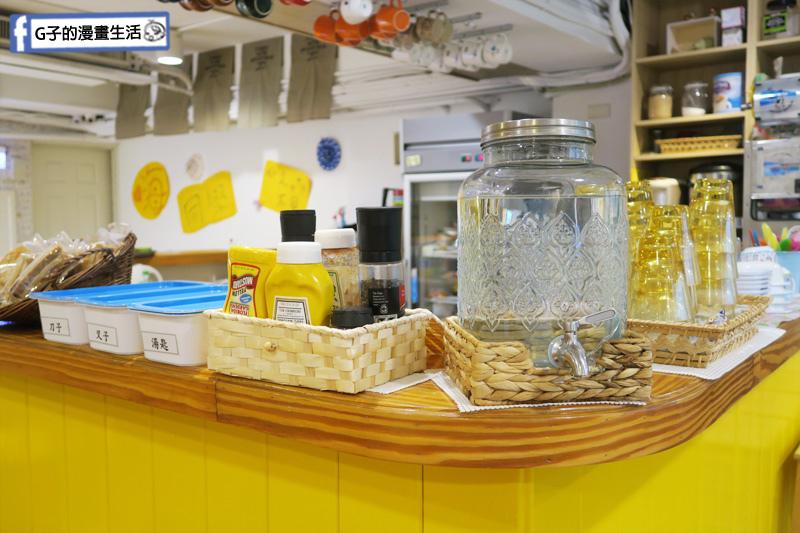 豐宇親子寵物友善餐廳 免收服務費 自助餐具水