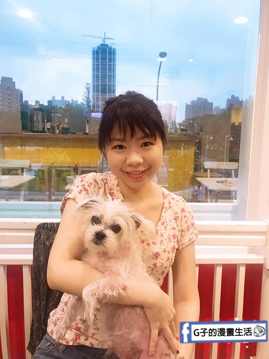 豐宇親子寵物友善餐廳 跟寵物合照可以拍到仁愛公園風景