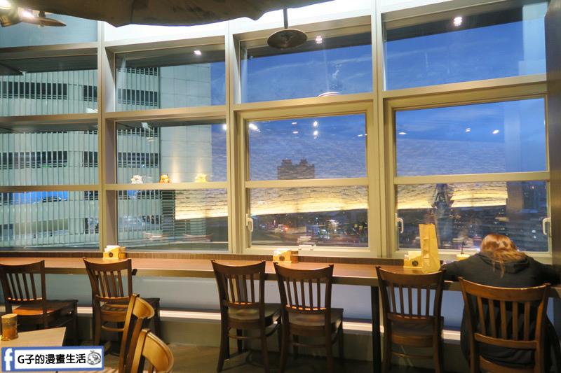新丼日式丼飯專賣店-南港店CITY LINK 靠窗可看夜景